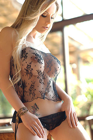Franciele Perao Hot Assed Blonde Babe